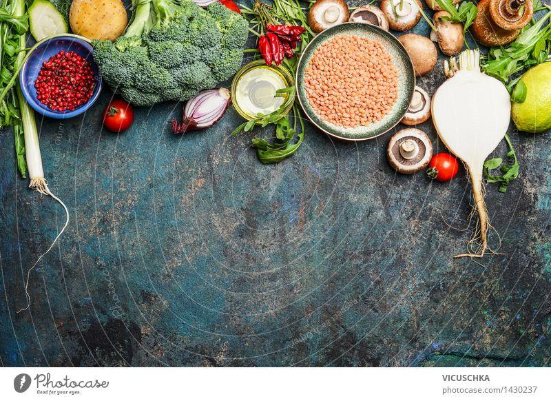 Gemüse , roten Linsen und Zutaten für gesundes Kochen Lebensmittel Getreide Kräuter & Gewürze Öl Ernährung Mittagessen Abendessen Bioprodukte Diät
