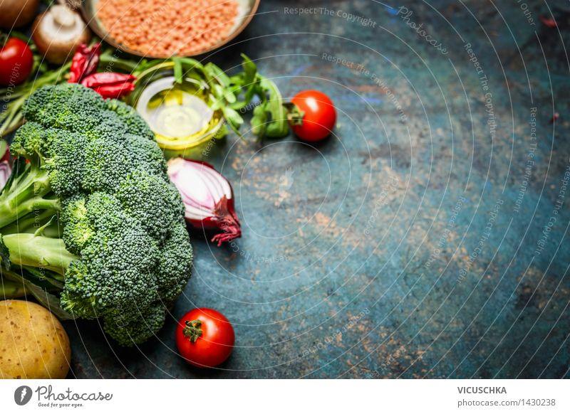 Brokkoli , Gemüse, roten Linsen mit Zutaten fürs Kochen Lebensmittel Salat Salatbeilage Getreide Kräuter & Gewürze Öl Ernährung Mittagessen Abendessen Büffet