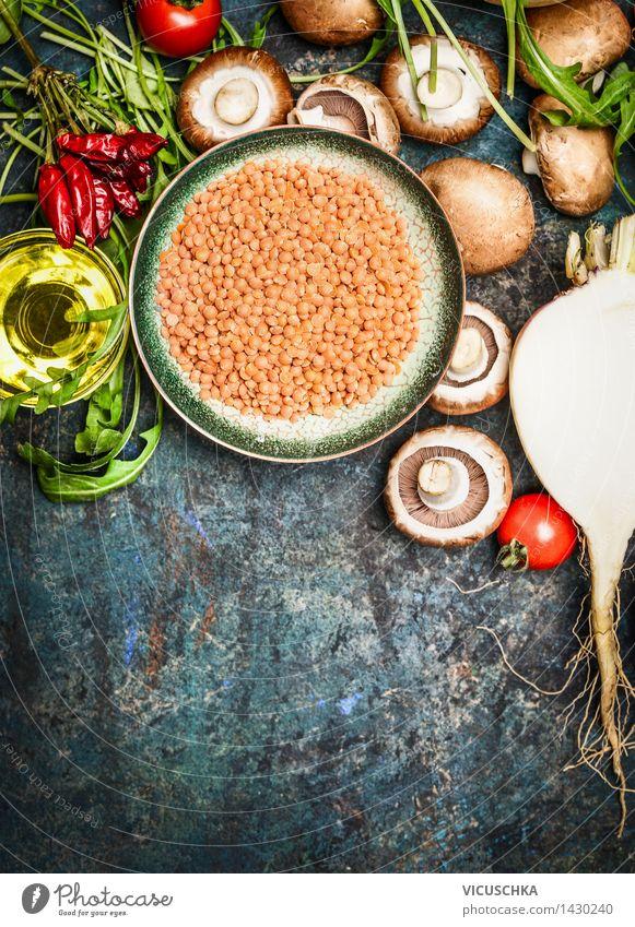 Frisches Gemüse und Zutaten mit roten Linsen für gesundes Kochen Lebensmittel Salat Salatbeilage Getreide Kräuter & Gewürze Öl Ernährung Mittagessen Abendessen
