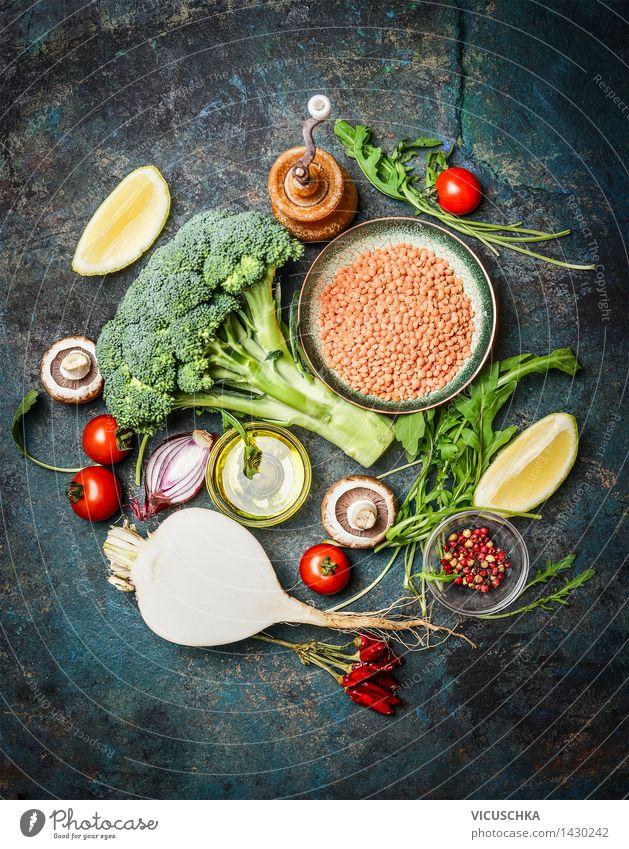Frisches Gemüse und Zutaten mit roten Linsen für gesundes Kochen blau grün Gesunde Ernährung gelb Leben Stil Lebensmittel Design frisch Tisch