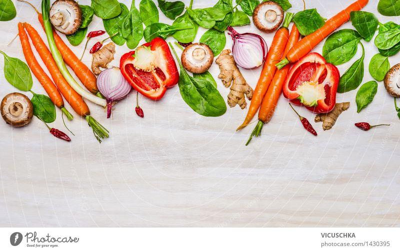 Frisches Gemüse für gesunde Ernährung und Kochen Lebensmittel Salat Salatbeilage Kräuter & Gewürze Mittagessen Abendessen Bioprodukte Vegetarische Ernährung