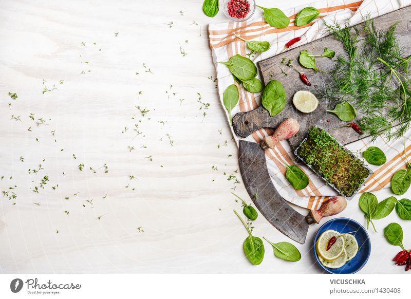 Frische Salat Zutaten mit Zitrone und Gewürzen Natur Sommer Gesunde Ernährung Leben Stil Hintergrundbild Lebensmittel Design Tisch Kräuter & Gewürze Küche