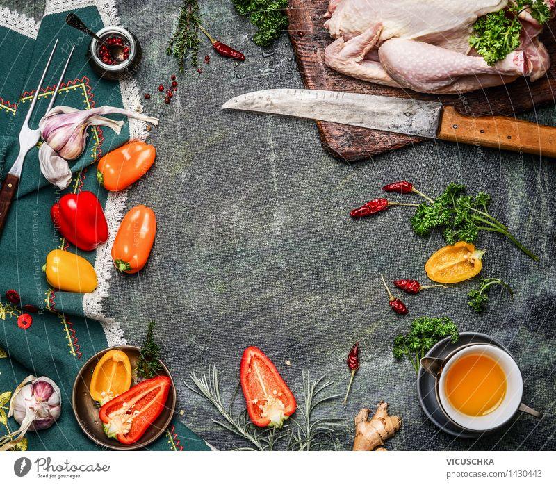 Ganzes Hähnchen mit Öl und Gemüse Zutaten fürs Kochen Gesunde Ernährung Leben Foodfotografie Stil Hintergrundbild Feste & Feiern Lebensmittel Design Ernährung Tisch Kochen & Garen & Backen Fitness Kräuter & Gewürze Küche Gemüse Restaurant