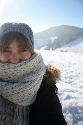 Schneeselfie Natur Ferien & Urlaub & Reisen Jugendliche Junge Frau Landschaft Freude Winter Berge u. Gebirge natürlich Gesundheit Lifestyle Freizeit & Hobby