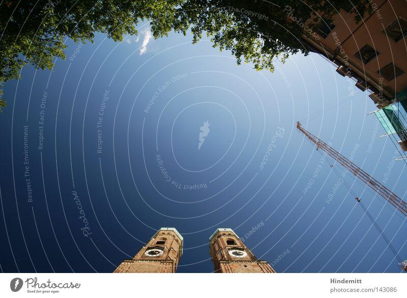 LOKALKOLORIT | Dom zu Unserer Lieben Frau Baum grün blau Ferien & Urlaub & Reisen Blatt Haus Wolken gelb Religion & Glaube Architektur Kirche Tourismus