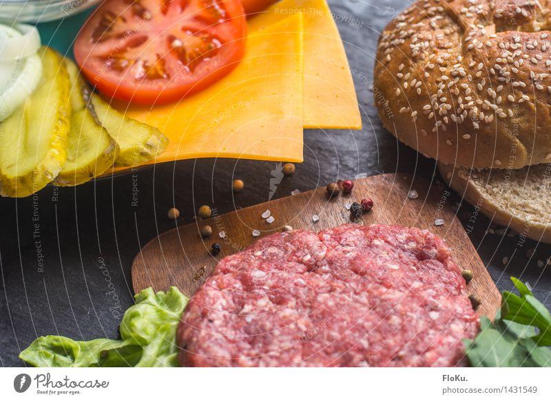 Burger Time rot gelb Lebensmittel frisch Ernährung Kräuter & Gewürze Küche Gemüse lecker Fleisch Backwaren Tomate Teigwaren Mittagessen Salatbeilage