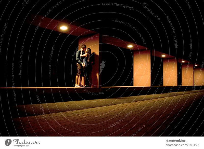 lovebox Frau Mensch Mann ruhig Farbe Liebe Architektur Farbstoff Lampe Kunst Beleuchtung Kraft Bekleidung Hautfalten stoppen fallen