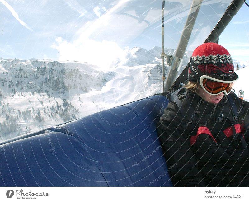 liftboy Mensch Winter Schnee Luftverkehr Fahrstuhl
