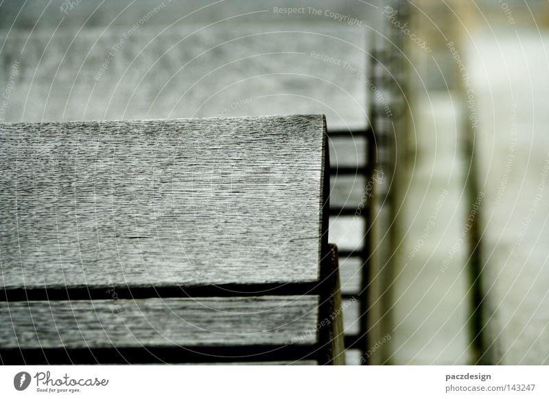 treppenholz Treppe abwärts Hafencity Holz Pflanze Europa Deutschland Außenaufnahme Trauer Tod Beton kalt grau ungemütlich Goldener Schnitt Makroaufnahme