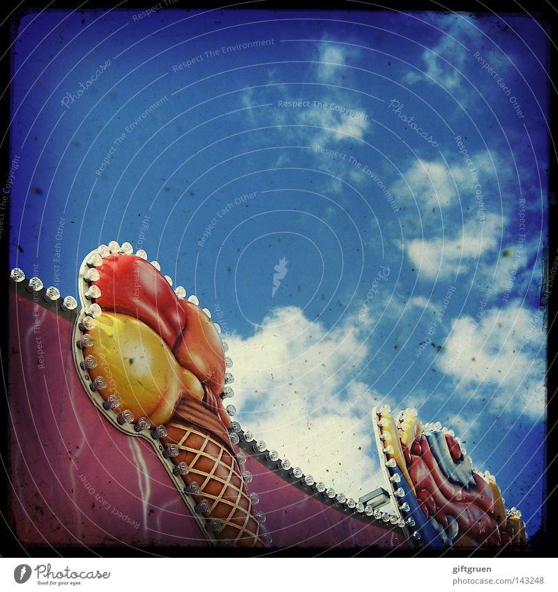 lucy in the sky with ice-cream cones Himmel Freude Ernährung lustig Kindheit Schilder & Markierungen Speiseeis Süßwaren Jahrmarkt Fairness Rauschmittel