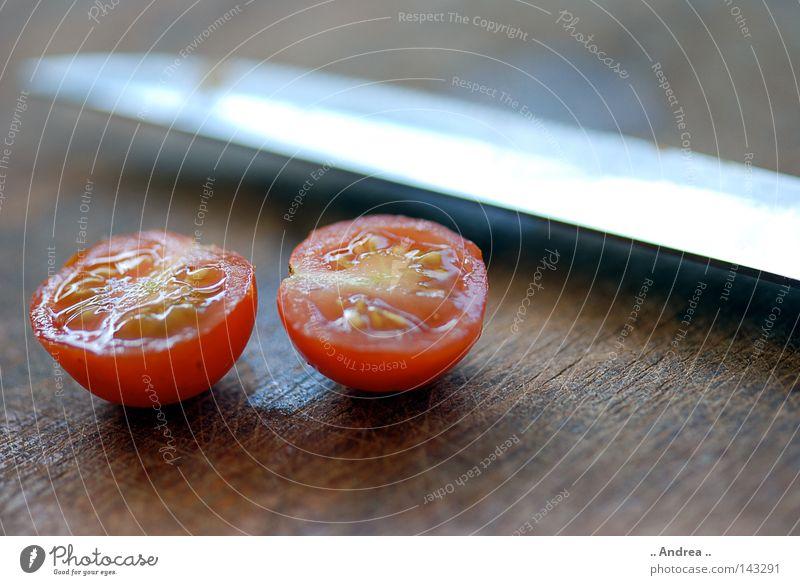 Henkersmahlzeit Gemüse Messer Gesundheit frisch saftig rot Vitamin Tomate Makroaufnahme Ernährung Lebensmittel Farbfoto rund Zutaten Cocktailtomate geschnitten