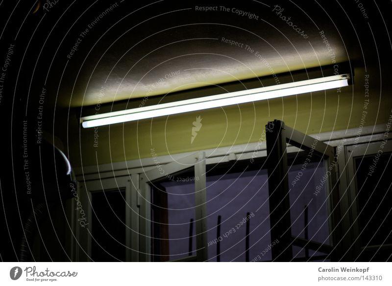 Neonröhre auf Französisch. Lampe Fenster Küche Eisenrohr Neonlicht Gitter Fensterladen Lampenschirm