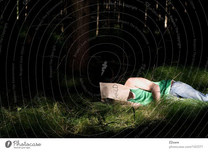 NATURVERBUNDENHEIT Naturliebe Waldmensch Mann maskulin Gras Wiese Baum grün Umweltschutz Klimaschutz Atem Luft Waldlichtung Holzmehl Bayern ruhig schlafen