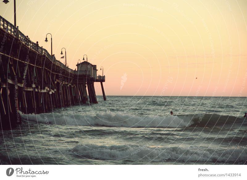 one of those moments. Ferien & Urlaub & Reisen Tourismus Ausflug Abenteuer Ferne Freiheit Sommer Sonne Strand Meer Wellen Hafen USA Kalifornien Surfen Romantik