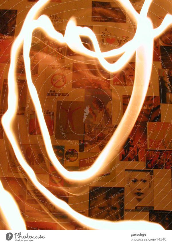 Feuermalen Licht Langzeitbelichtung Brand streichen Bewegung