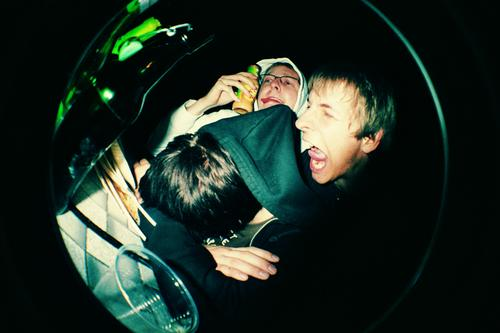 STERNHAGELVOLL Party Feste & Feiern Alkoholisiert Bier schreien Kapuze Tisch Flasche Bierflasche Gartenfest Bierzelt Stimmung Ausgelassenheit Applaus Täuschung