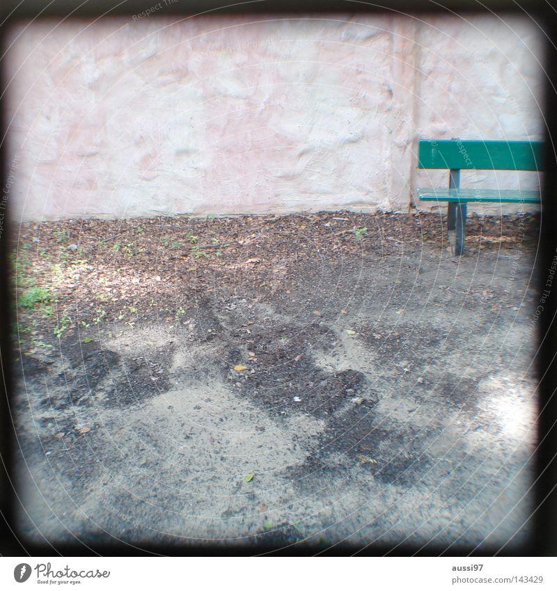 Deutsche Bank Sitzgelegenheit Park analog Sucher umrandet Rahmen Garten Möbel Linie Lichtschacht Lichtschachtsucher zweiäugig Reflexion & Spiegelung
