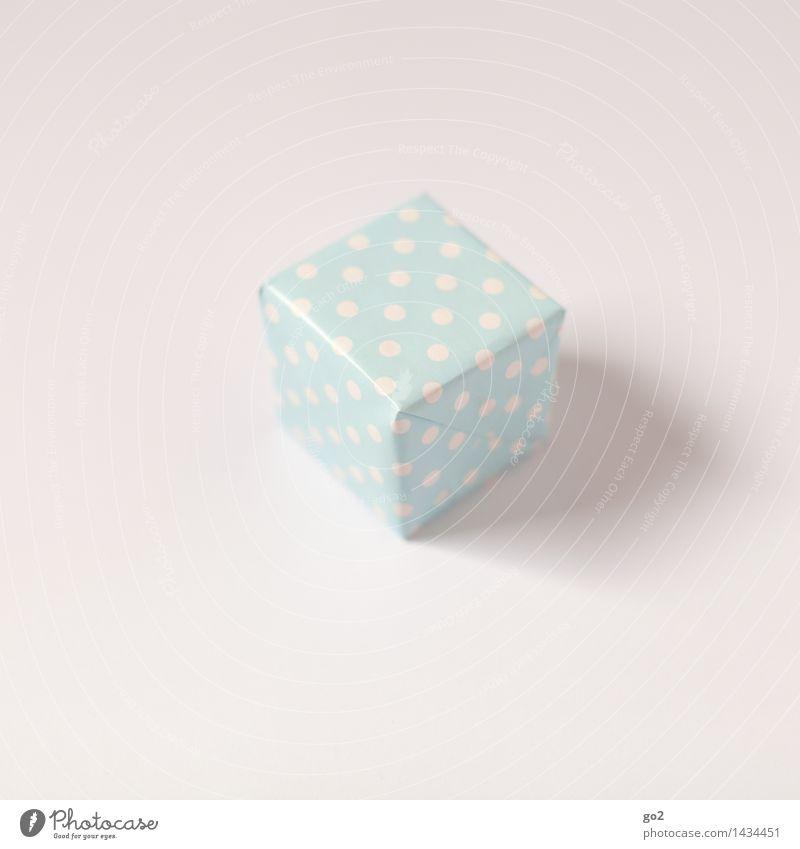 Geschenk Weihnachten & Advent blau weiß klein Geburtstag ästhetisch Neugier Punkt Vorfreude Verpackung Valentinstag Paket Muttertag Geschenkpapier