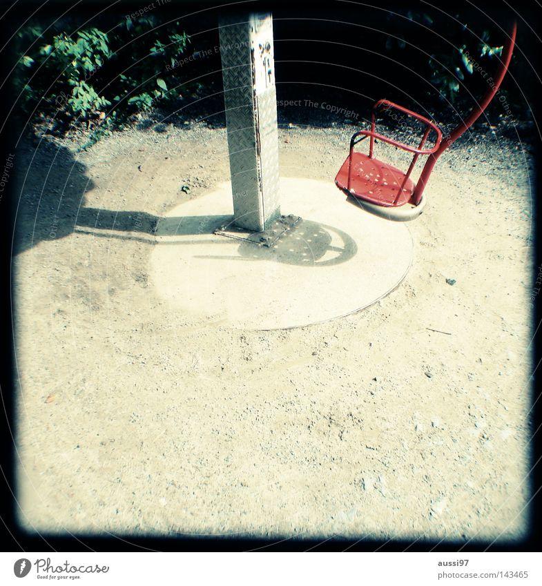 Kreislift Freude Spielen Bewegung Fuß Pause Kindheit Konzentration analog Messe Fahrstuhl Spielplatz Turnen Raster Ausstellung Sucher schemenhaft