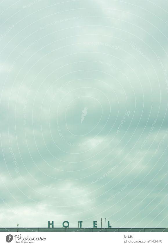 i HOTE | | L Himmel blau Ferien & Urlaub & Reisen Wolken Haus Ferne oben Raum Horizont Hintergrundbild Schilder & Markierungen hoch Platz schlafen Schriftzeichen Häusliches Leben