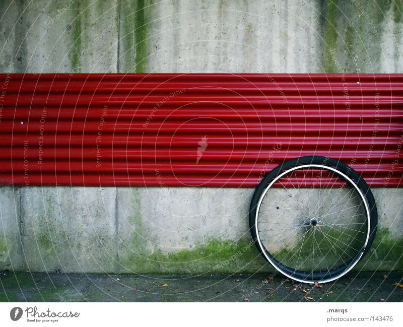 Rad rot Wand grau Fahrrad kaputt Freizeit & Hobby Mantel Reparatur Blende Speichen