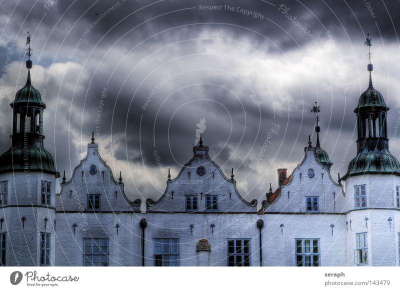 Schloss Himmel alt Wolken Architektur Gebäude Wetter Deutschland Fassade Turm Kultur Bauwerk Sturm Burg oder Schloss Denkmal historisch Wahrzeichen