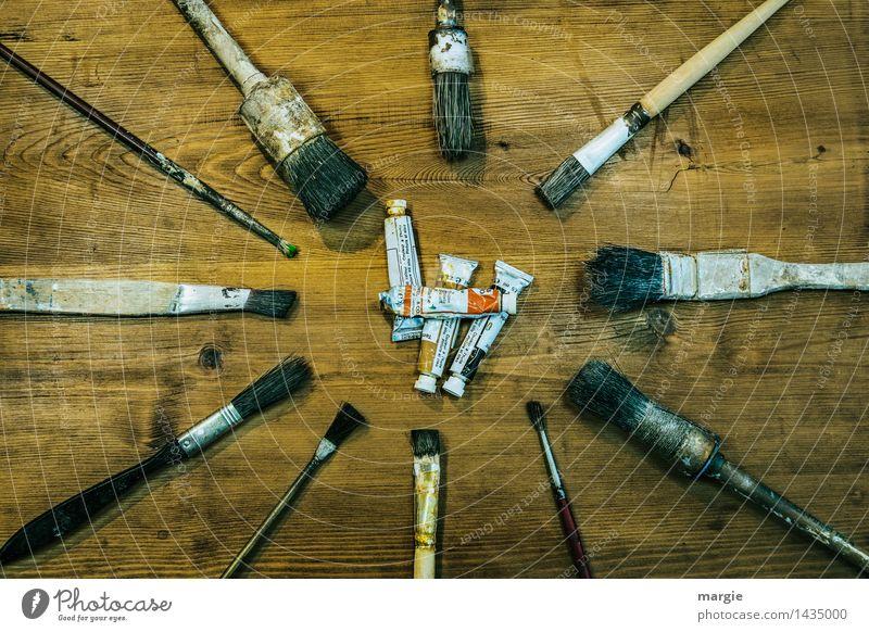 Unterschiedliche Pinsel mit Farbtuben Freizeit & Hobby heimwerken Arbeit & Erwerbstätigkeit Beruf Handwerker Anstreicher Baustelle Dienstleistungsgewerbe