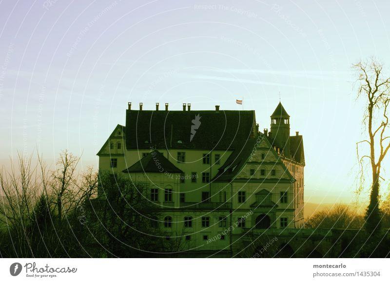 made in china   kopie Himmel Natur Stadt alt Pflanze Baum Landschaft Blatt Haus dunkel Umwelt Architektur Herbst Gebäude Stimmung Fassade