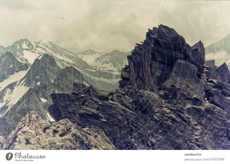 Finkenberg (4) Alpen Berge u. Gebirge Felsen Ferne Berghang Himmel Hochgebirge Landschaft Panorama (Aussicht) Panorama (Bildformat) Pass Wege & Pfade Fußweg