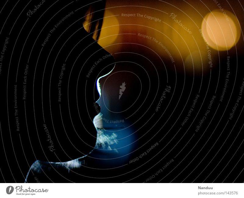 Lichtprofil Frau dunkel Silhouette Mensch Gesicht Kopf Kinn Nase Romantik ruhig Frieden Nacht Flair Nachtleben Feste & Feiern kalt Physik Unschärfe Konzert Club