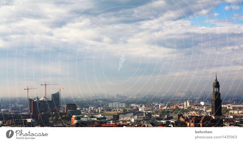 eröffnungskonzert januar 2017! Himmel Wolken Schönes Wetter Hamburg Stadt Hafenstadt Stadtzentrum Altstadt Haus Hochhaus Kirche Turm Bauwerk Gebäude Architektur
