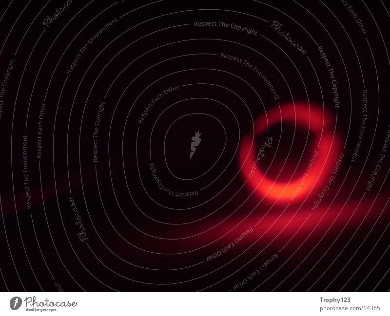 LowRedLight rot Licht Stil schwarz Makroaufnahme Nahaufnahme red Low Light Black Kreis Korn