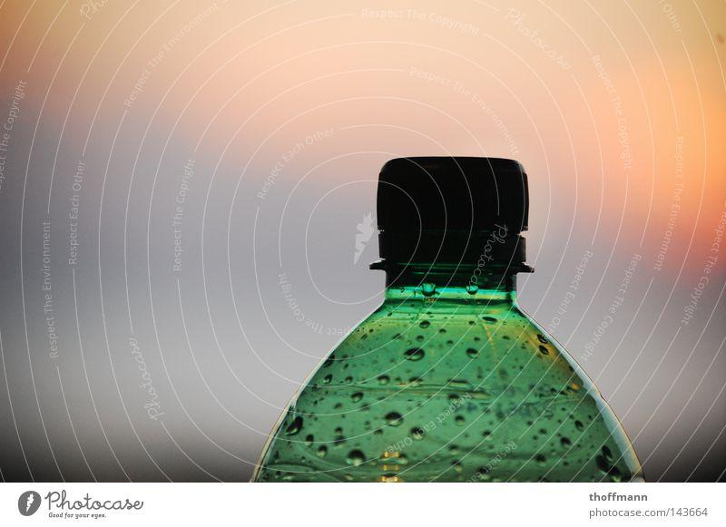 Tropfenbehälter Himmel grün Sonne rot Wolken gelb Wassertropfen Getränk Statue Abenddämmerung Flasche Gully PE-Flaschen