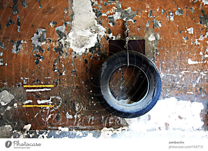 Pferdehalfter alt Wand verfallen Dienstleistungsgewerbe Rad Handwerk Reifen Garage