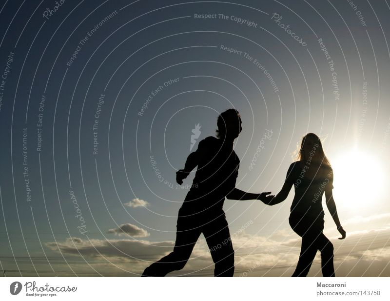 Komm mit ins Abenteuerland Mensch Jugendliche Ferien & Urlaub & Reisen Freude 18-30 Jahre Ferne Erwachsene feminin Freiheit Glück Paar Freundschaft Familie & Verwandtschaft maskulin laufen frei
