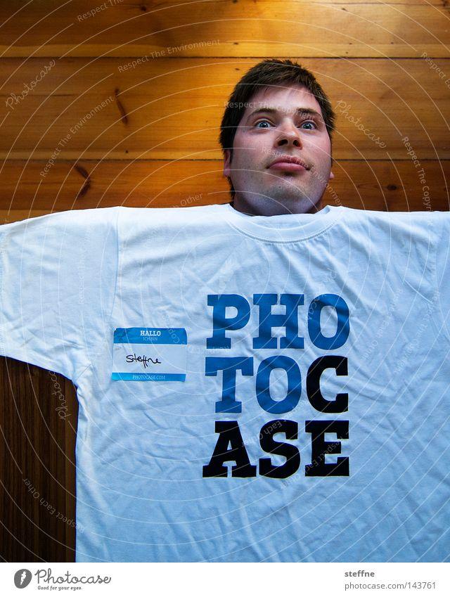 Hi! My Name is ... Mensch Mann Typ Kerl Kasper lustig Fan Schleimer anbiedern Kopf T-Shirt Merchandise Freude obskur Photocase Täuschung Fälschung Tisch