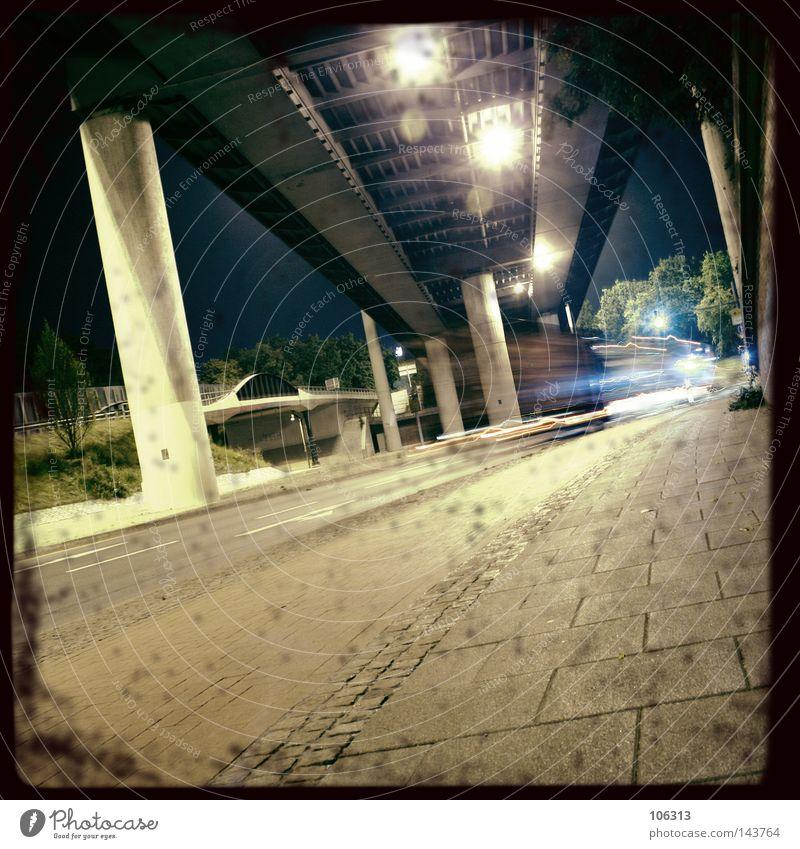 BIG CITY NIGHTS [PT.2] Stadt ruhig Einsamkeit Straße dunkel Bewegung PKW leer Brücke gefährlich Dynamik Nacht Geister u. Gespenster Säule