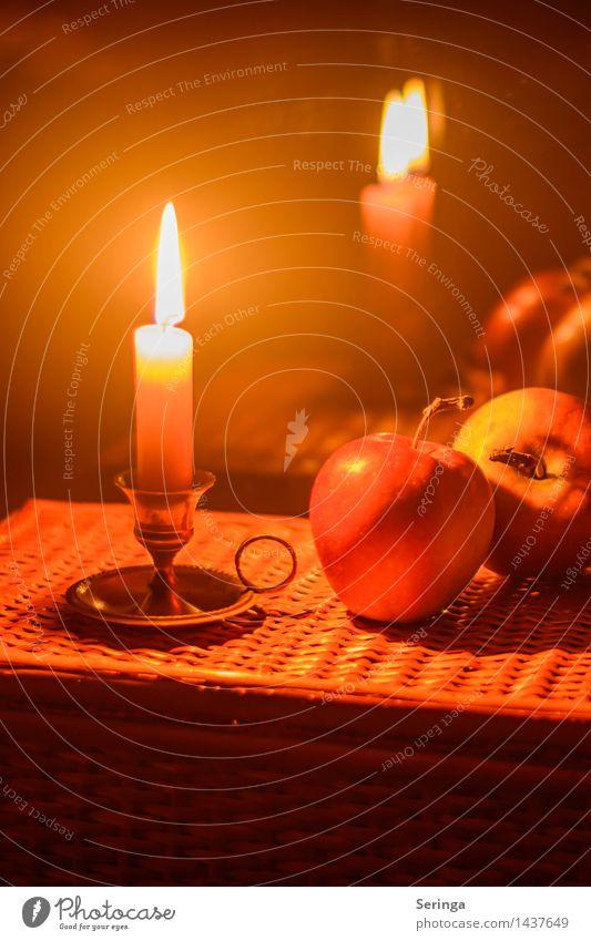 In Gedanken an die schöne Zeit Weihnachten & Advent Erholung ruhig Traurigkeit Gefühle Gesundheit Glück Feste & Feiern Stimmung träumen Zufriedenheit