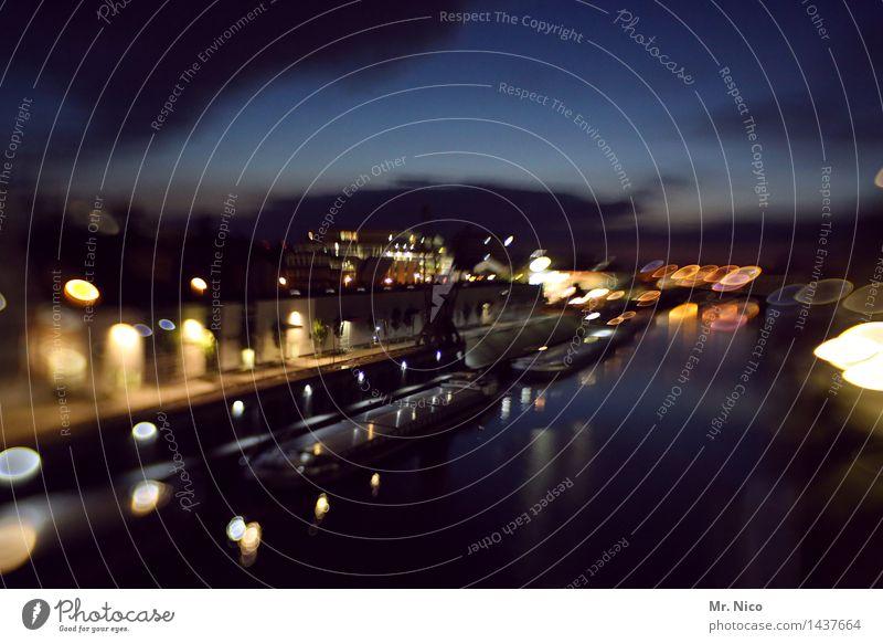 nachts im hafen Nachtleben Stadt Hafenstadt Industrieanlage Gebäude Schifffahrt dunkel Beleuchtung Hafenkran Handel Kanal Frachter Tilt-Shift Nachthimmel