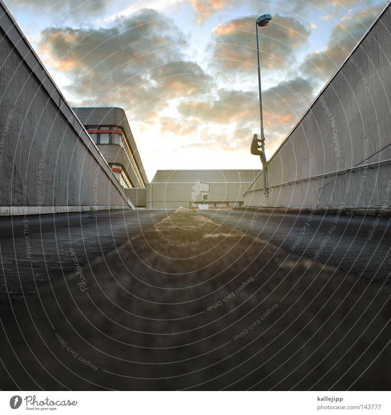 gold Mensch Himmel Mann Stadt Sonne Wolken Haus Fenster Straße Wand Architektur Wohnung Raum Hochhaus Wind stehen