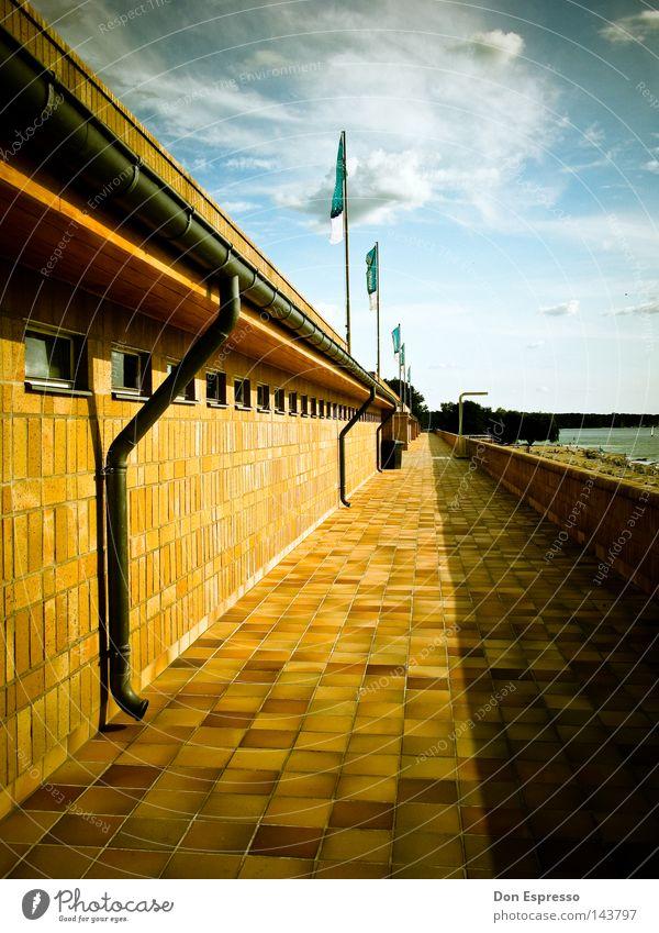 Flucht am Wannsee Wasser Himmel Sonne Sommer Strand Ferien & Urlaub & Reisen Wolken Berlin See Wärme frei Ausflug Schwimmbad Physik heiß Denkmal