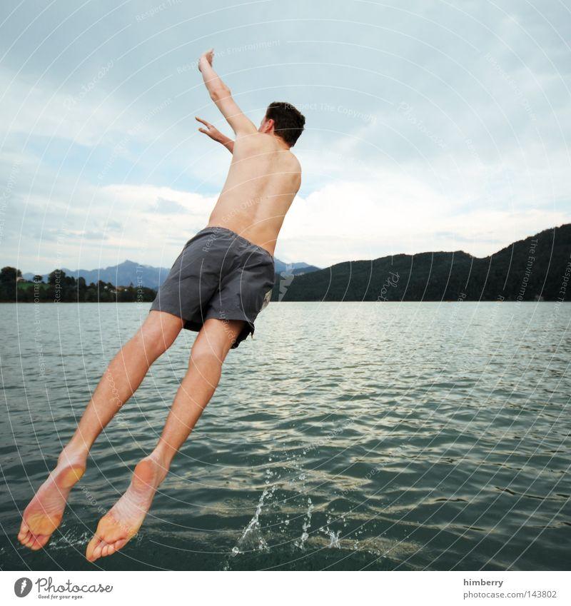 louis vuitton Himmel Mann Jugendliche Hand Ferien & Urlaub & Reisen Erholung Berge u. Gebirge springen See Deutschland Wetter Wasserfahrzeug Körper