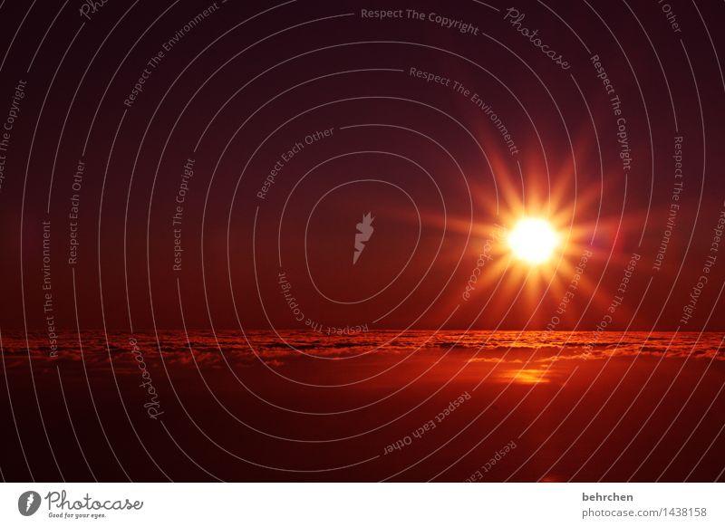 zwischenwelt Himmel Ferien & Urlaub & Reisen schön Wolken Ferne Berge u. Gebirge außergewöhnlich Freiheit Horizont orange träumen Tourismus frei Insel Ausflug