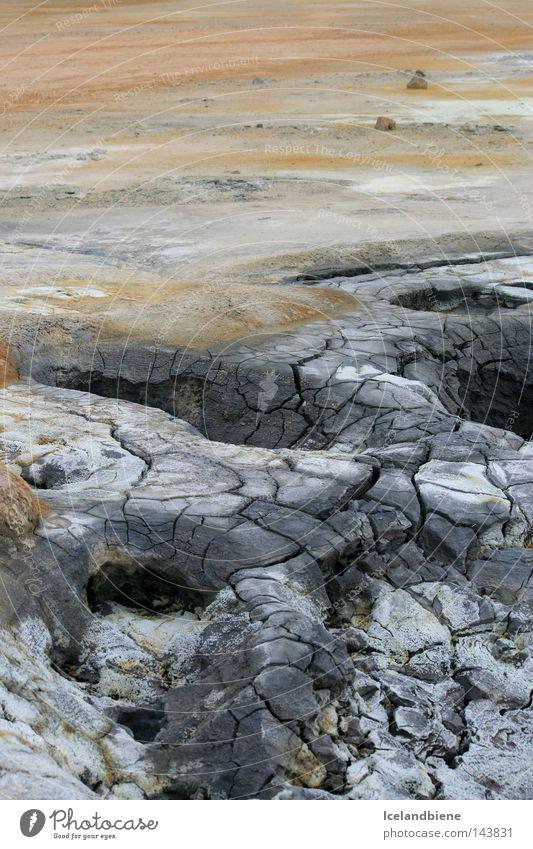 Solfatarenfeld am Myvatn Erde Rauch Gas Island Wasser Natur Nationalpark unberührt Kraft Energie grau Schlamm Riss Blubbern Rauschen Geruch Berge u. Gebirge