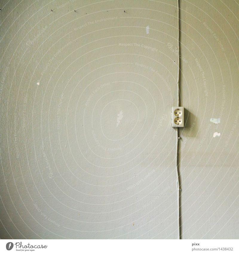 igor improvisator alt Wand Wege & Pfade Mauer Energiewirtschaft Häusliches Leben Idylle Baustelle Sicherheit Kabel Zusammenhalt Kunststoff dünn Vertrauen