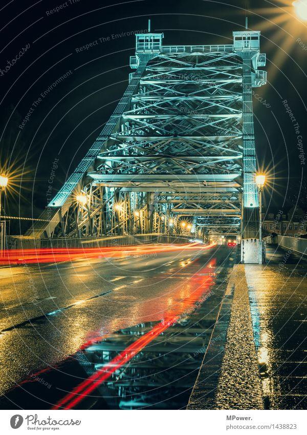lightning Brücke Bauwerk Architektur Sehenswürdigkeit Wahrzeichen Denkmal Verkehr Verkehrsmittel Verkehrswege Personenverkehr Autofahren Straße Fahrzeug Bus