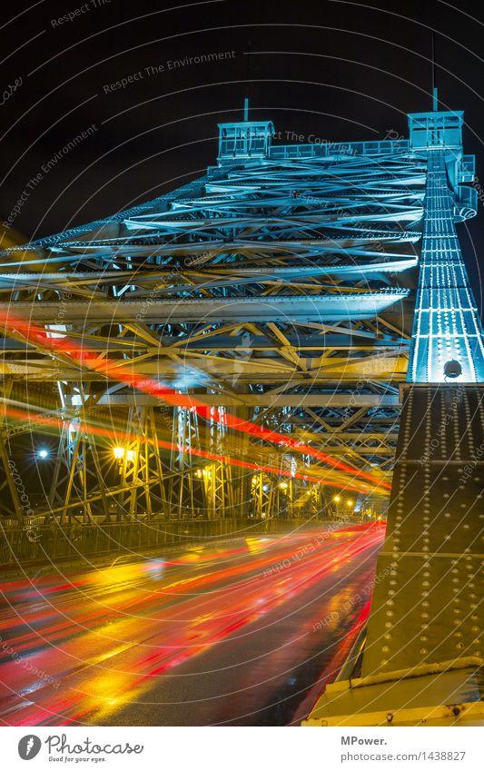 lightning Straße Architektur Beleuchtung Bewegung fliegen PKW Verkehr nass Brücke Bauwerk Wahrzeichen Denkmal Stahl Sehenswürdigkeit Schifffahrt Verkehrswege