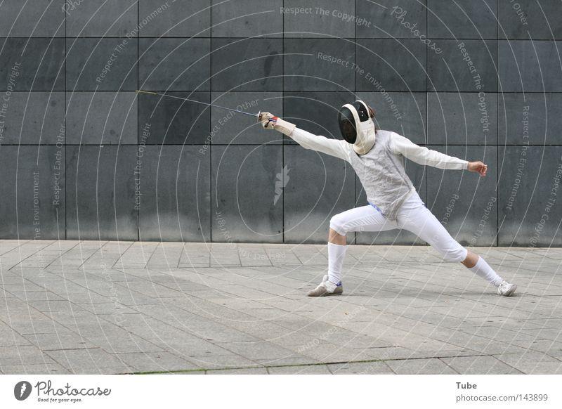 City | Knight Deluxe kämpfen Kampfsport grau Mauer Anzug Uniform Defensive Verteidiger Waffe Wand Fechten Sport stehen attackieren Schutz Hauptdarsteller Mut