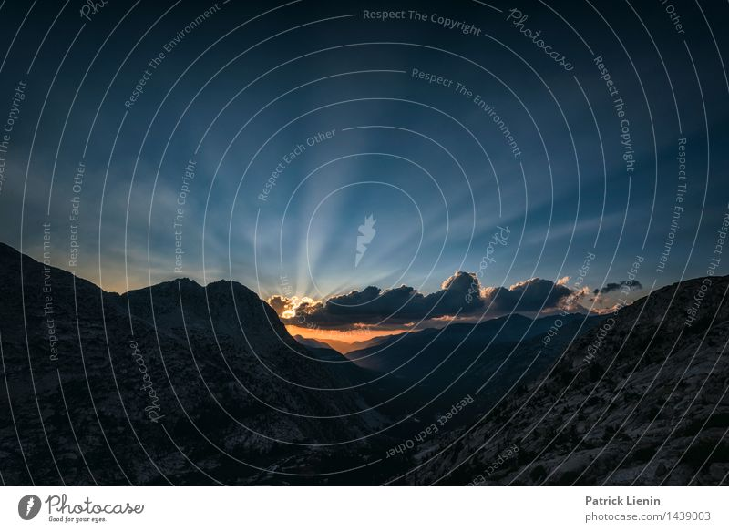 Sundown Natur Ferien & Urlaub & Reisen Sommer Sonne Erholung Landschaft ruhig Ferne Berge u. Gebirge Umwelt Lifestyle Freiheit Zufriedenheit Wetter wandern