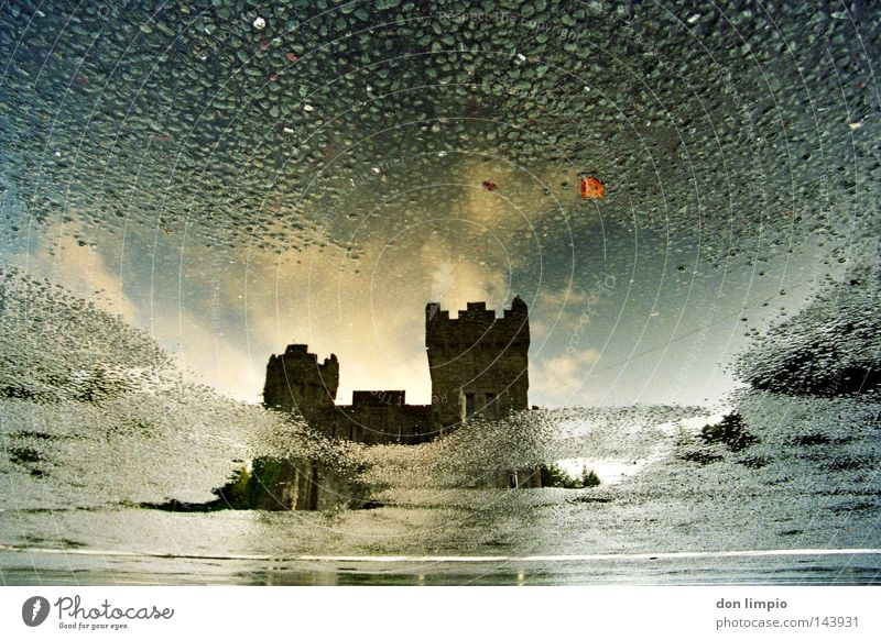 rising-stones Reflexion & Spiegelung Wolken analog historisch Straße Wasser Stein Himmel castle ashford cong Republik Irland ebv